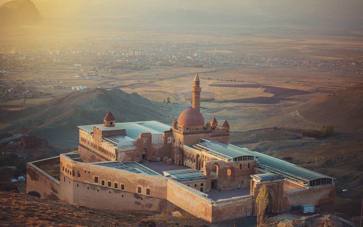 Дворец Исхак Паши