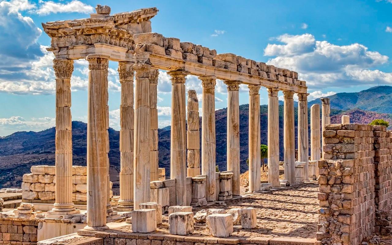 Храм императора Траяна