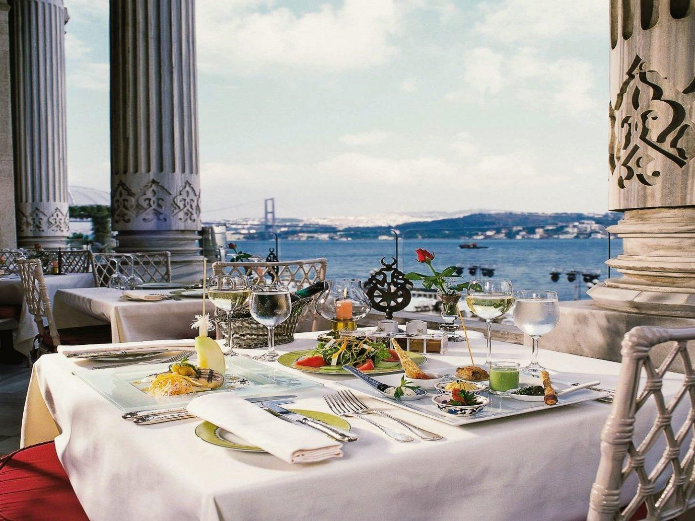 Приветственный ужин в рыбном ресторане с видом на Босфор