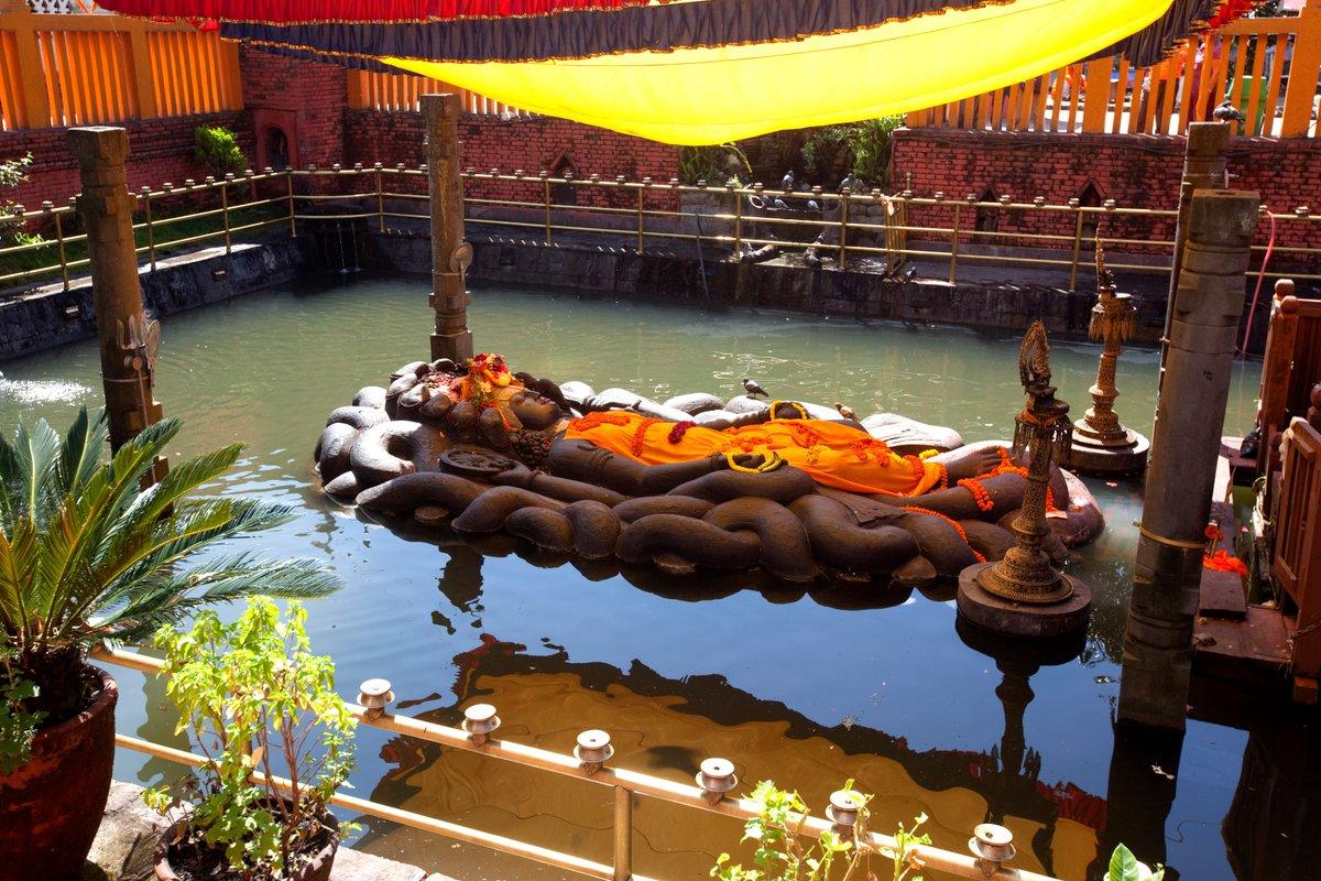 Храм Спящего Вишну в Буданилкантхе