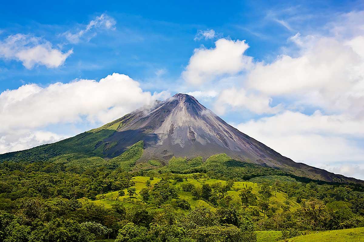 Вулкан. Эль Ареналь