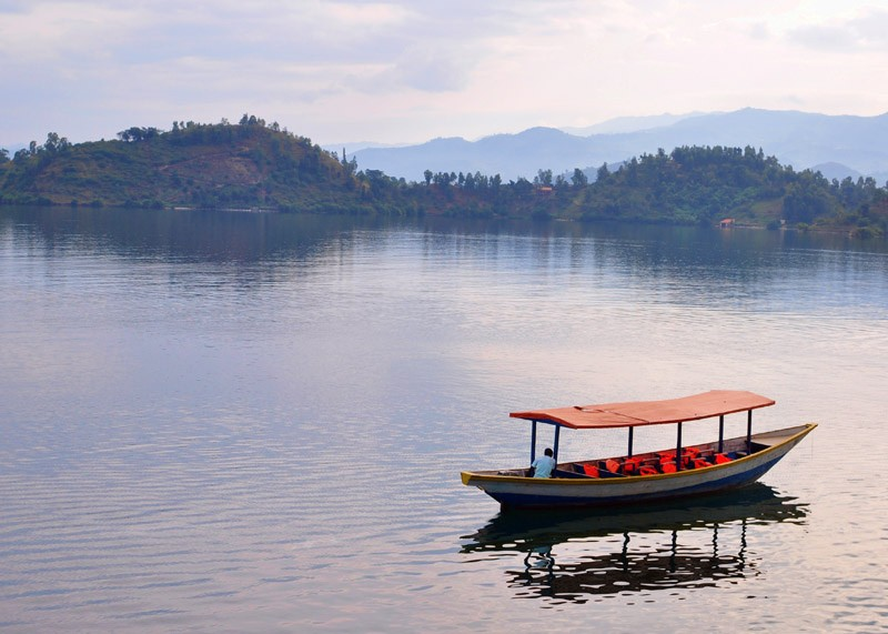 Круизы по озеру Куиву