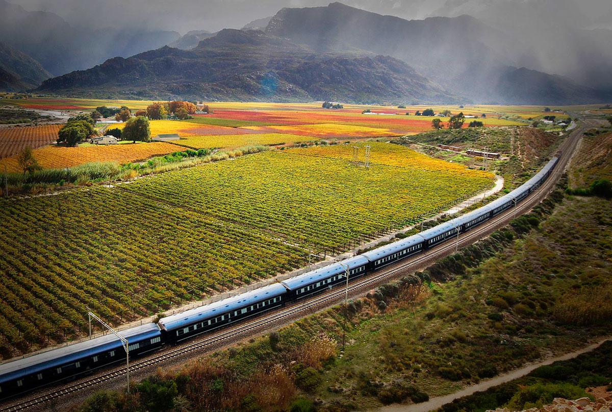 Поезд Ровос