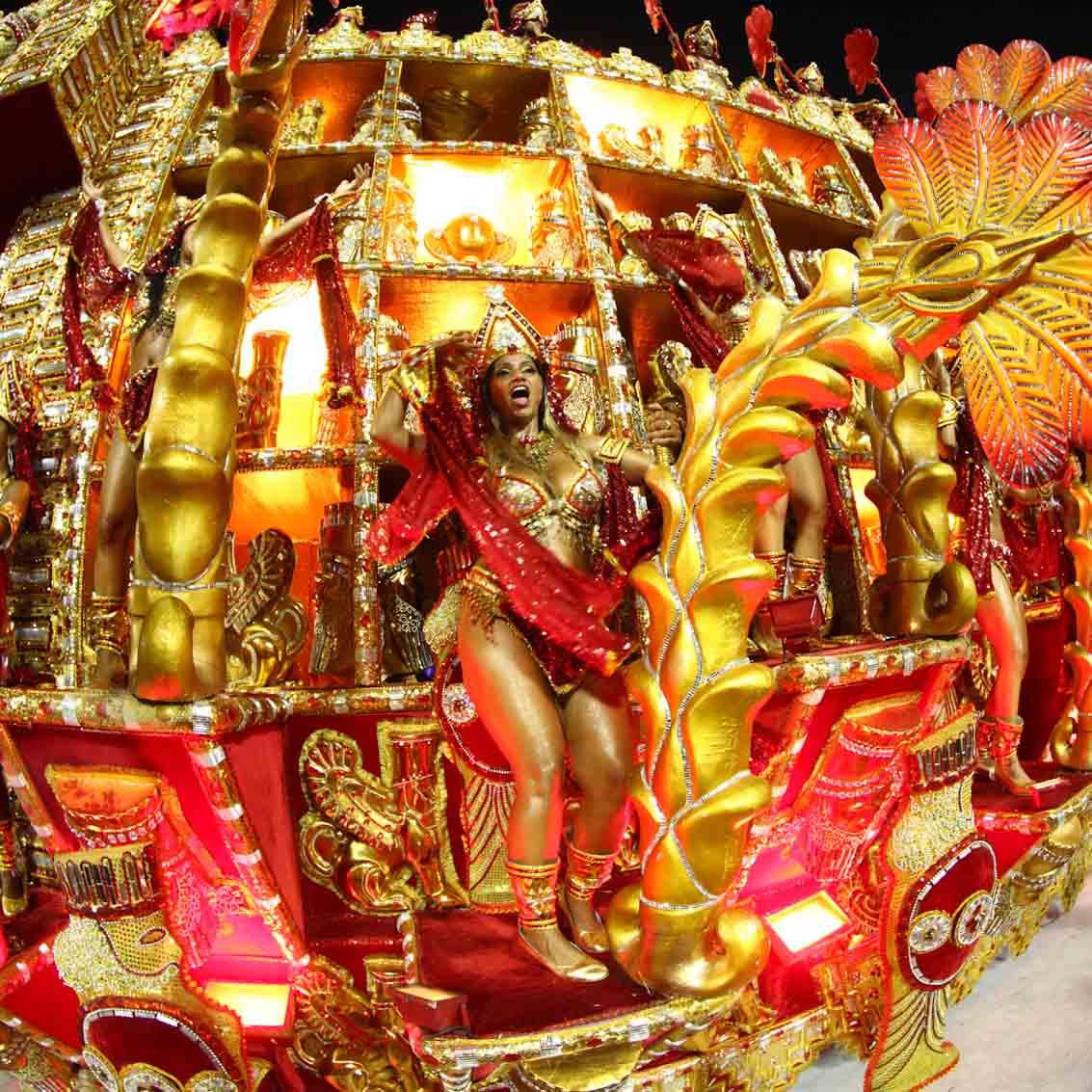 Яркий и зажигательный Карнавал в Бразилии 2020 (Рио-Игуасу)